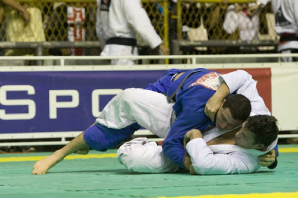 Com 2.300 inscritos, Brasileiro de Jiu-Jitsu pega fogo no Tijuca