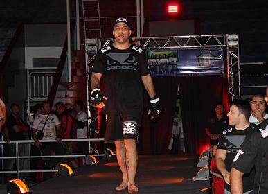 """Bad Boy"" targets unprecedented third roosterweight title"