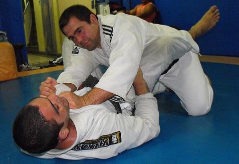 Amaury Bitetti, astro do Jiu-Jitsu e ex-UFC, e o enterro da iguana