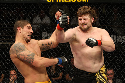 Pudgy knockout artist aims for Dos Santos