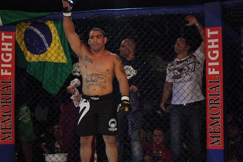 Australia: Paulão only to fight once and Besouro out