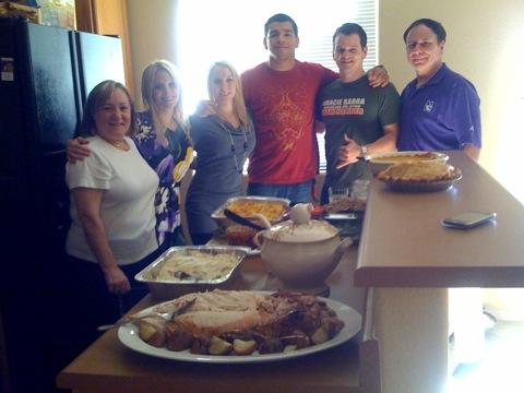 Ample Thanksgiving Day meal. Photo: Rafael Freitas