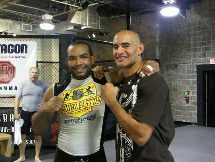 Bruno Bastos with Mike. Photo: Bruno Bastos's personal archives