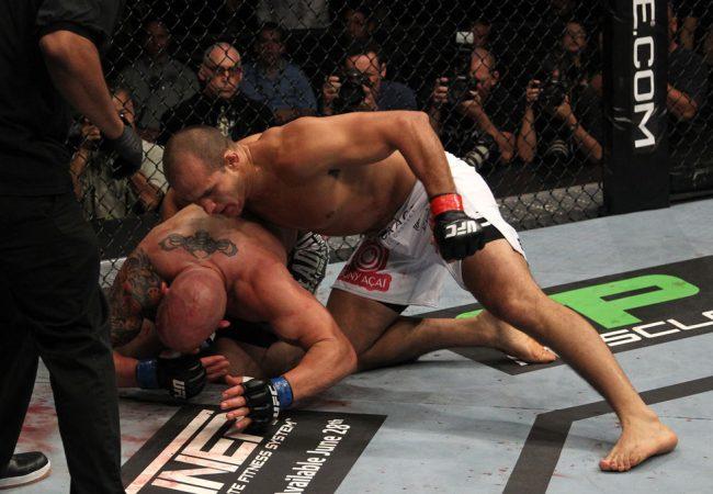 Um pouco da história do UFC 131 em fotos com muita ação