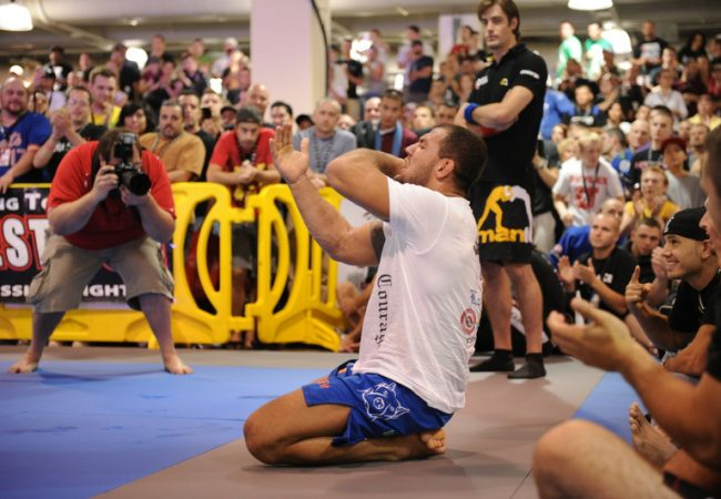 Check at the best pics from the UFC Fan Expo superfights