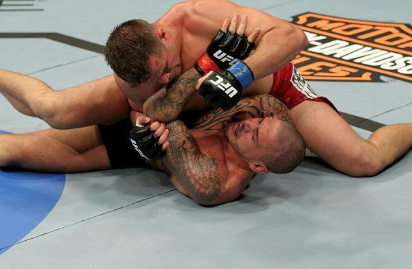 UFC 120: Images of the battles in England