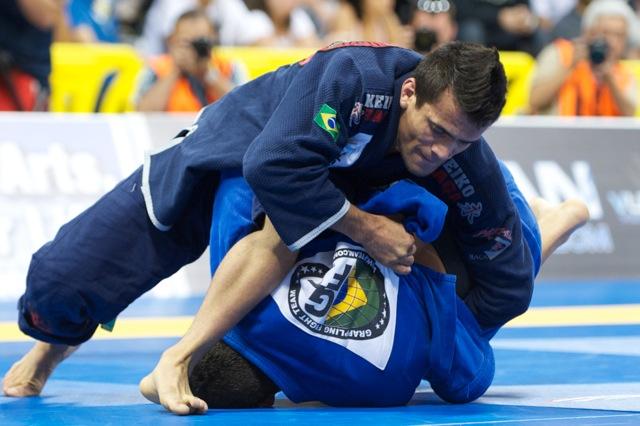 Recover the guard with Rubens Cobrinha
