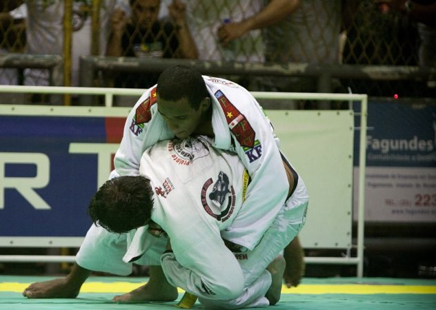 Após vencer Tio Chico, campeão brasileiro muda jogo para Mundial
