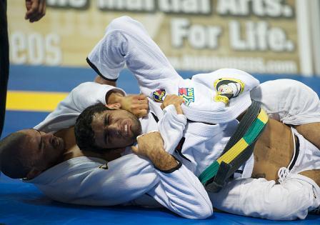 Relembre Kron vs Leandrinho Lo no Mundial 2011