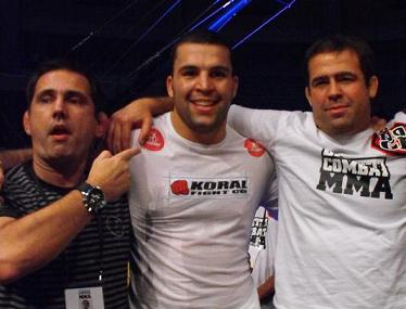 Fernando and Amaury with Murilo Ninja, one of the attractions of the show. Photo: Carlos Ozorio