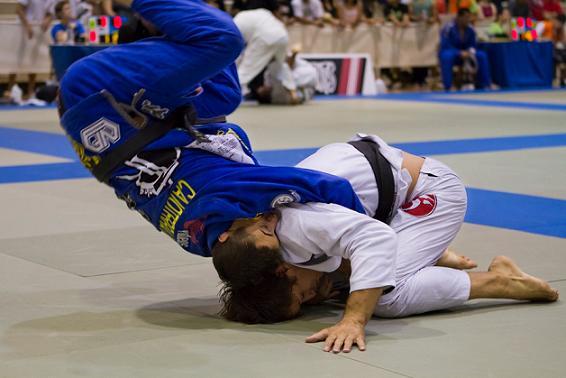 Caio Terra em ação no Jiu-Jitsu. Foto: Andrew Koeller.