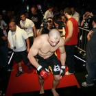 Glover Teixeira gets another knockout, at Shooto
