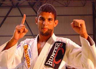 Jiu-JItsu: Finalize o adversário em quatro apoios com o ezequiel de Léo Santos