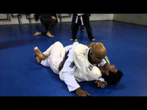"""Half-guard pass with """"Boi"""" seal of approval"""