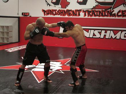 Demente aposta no apoio de Tito Ortiz antes de estreia no MMA
