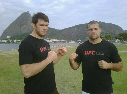 UFC Rio: fighters pose for photos around picturesque city