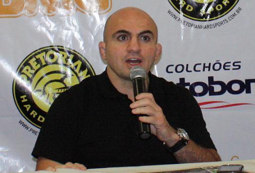 Wallid anuncia card e promete Jungle mensal em 2012