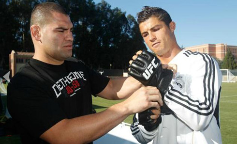 Cain meets soccer star in Los Angeles