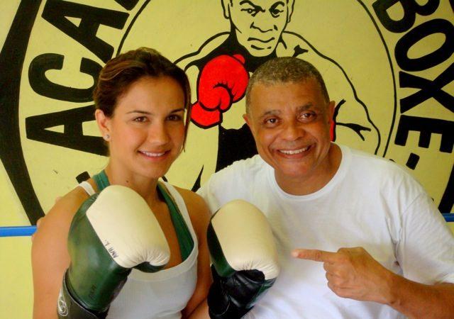 Kyra mais próxima do MMA, em Cingapura