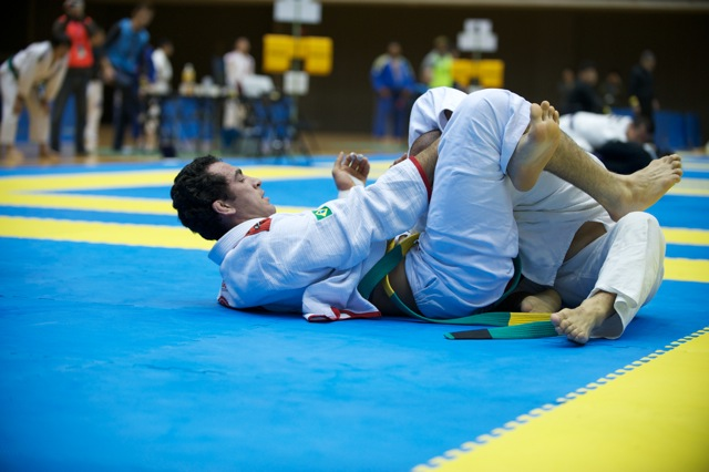 ADCC 2011: Bráulio greases up gears for Jacaré