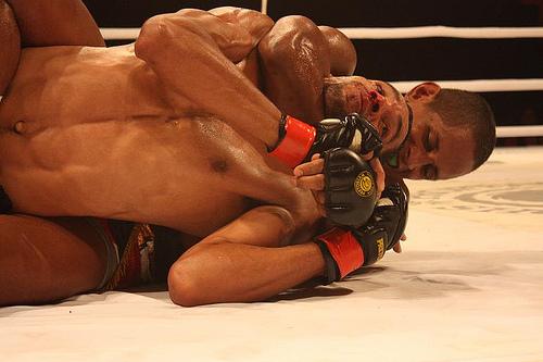 """Johnny Eduardo recebe """"2ª chance"""" no UFC"""