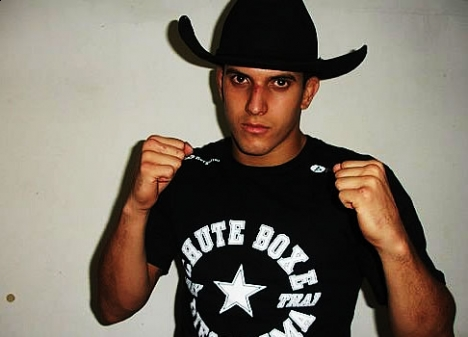 Who is Felipe Sertanejo, the new striker at UFC Rio?