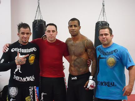 Brazil's best striker Cosmo sharpening up for MMA