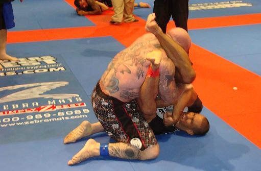 On inspired day, Davi submits Jeff Monson and João Assis