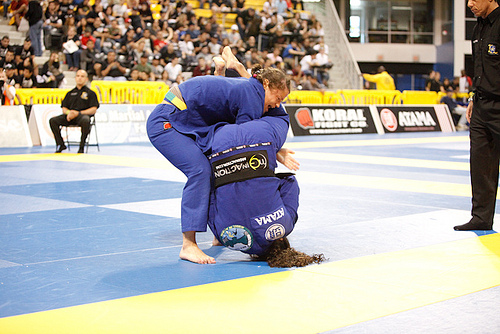 Understand how Hannette's flying armbar works