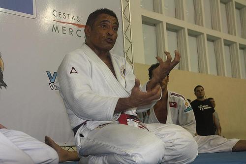 Rickson Gracie mostra suas técnicas no seu seminário, no Rio. Foto: Carlos Ozório
