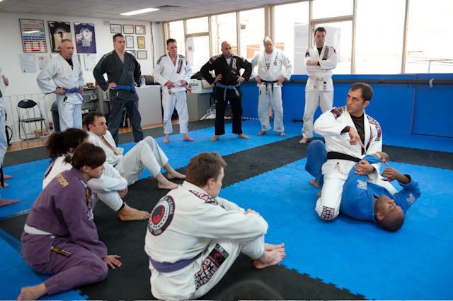 Gordinho teaches successful seminar at Gracie Oceania