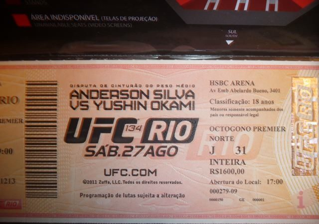 Love crazy fan tears up UFC Rio ticket and becomes Youtube hit