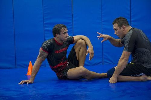 """UFC Rio: Renzo aponta o grande """"arranca-rabo"""" da noite"""