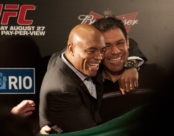 Anderson breaks into tears during UFC Rio