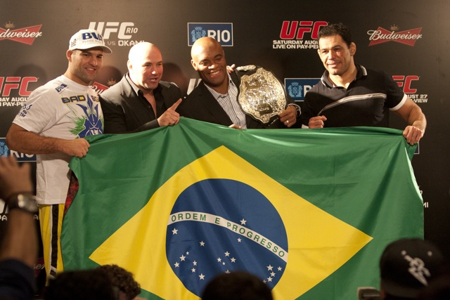 Com Eike, UFC fecha pelo menos três edições no Brasil em 2012