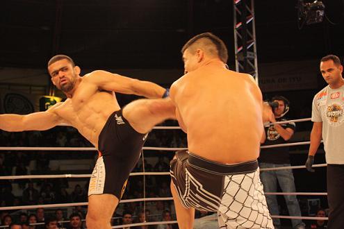 Na Galeria: as imagens do Jungle Fight com disputa de cinturão e mais