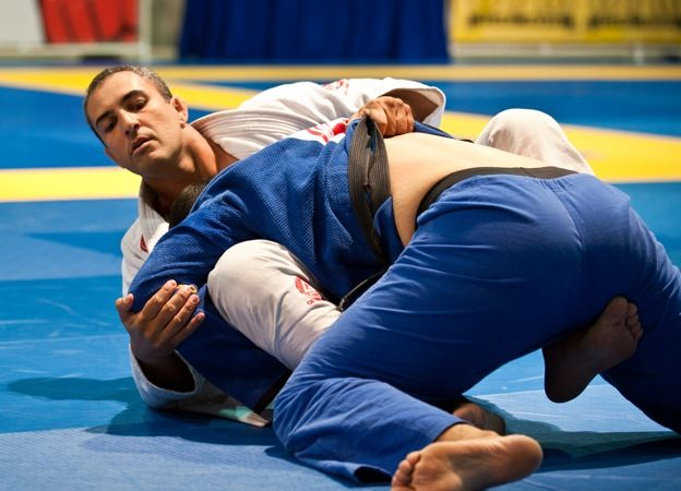 IBJJF clears up issue of gi color