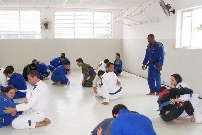Tererê teaches and promotes Pé de Bolo to black belt