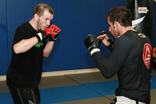 UFC Rio exclusivo: o treino de Fisher para Thiago Tavares
