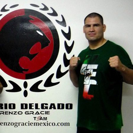 Cain Velasquez teaches seminar at Renzo Gracie Mexico