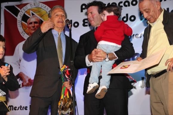 Gracies homenageiam Luiz Fux, Beltrame e personalidades no Rio