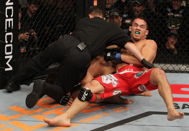 Ellenberger topples Shields; Vagner Rocha wins at UFC Fight Night