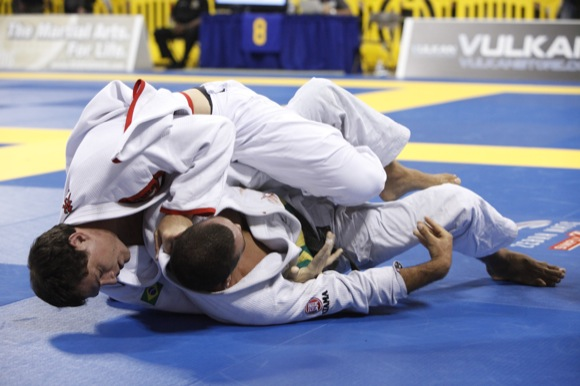 Apply more pressure when passing, Roger Gracie style