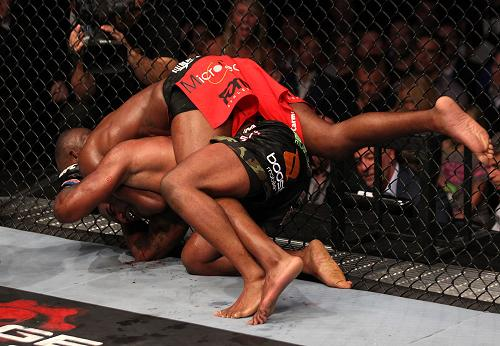 Pics of Jon Jones's finish at UFC 135