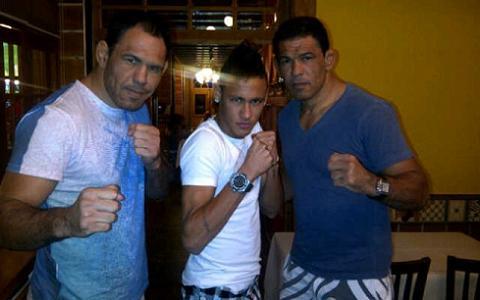 Neymar tieta irmãos Nogueira no Rio