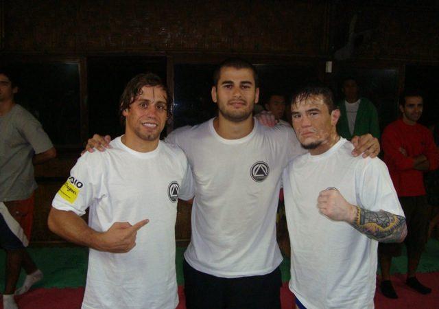 Lutador do UFC 137 convoca faixa-preta brasileiro para treinos