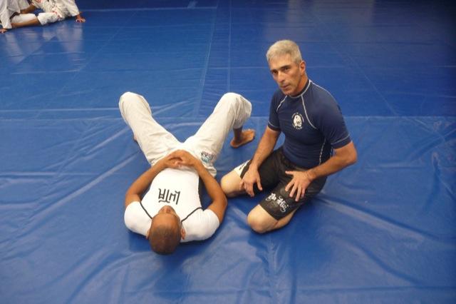 Mestre Leão Teixeira e a arte de apartar uma briga com o Jiu-Jitsu