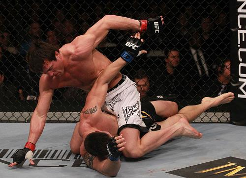 Pictures of electrifying UFC 136 matchups