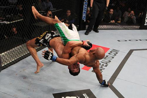 Take a look at the takedowns, submissions and knockouts from UFC on Versus