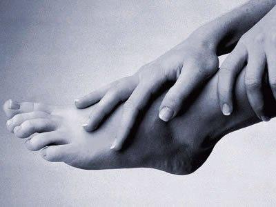 """Se o pé estiver em perigo, a salvação pode ser o """"freio de mão"""""""